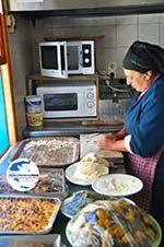 GriechenlandWeb.de Mevrouw Anna maakt Makarounes | Karpathos GriechenlandWeb.de foto 3 - Foto GriechenlandWeb.de