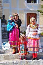 GriechenlandWeb.de Traditionele klederdracht Olympos Karpathos | GriechenlandWeb.de foto 013 - Foto GriechenlandWeb.de