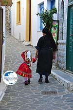 GriechenlandWeb.de Traditionele klederdracht Olympos Karpathos | GriechenlandWeb.de foto 018 - Foto GriechenlandWeb.de
