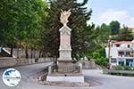 GriechenlandWeb.de Monument in Antissa auf de route Sigri-Anaxos foto 2 - Foto GriechenlandWeb.de